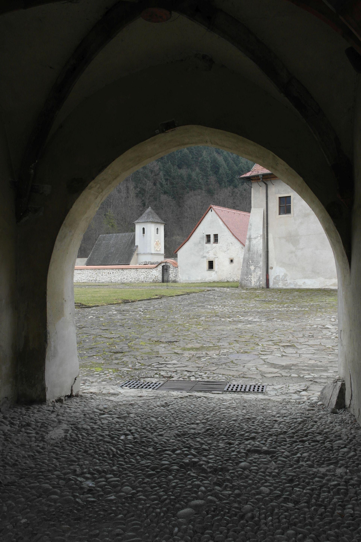 czerwony-klasztor-ks-m-dlutowski